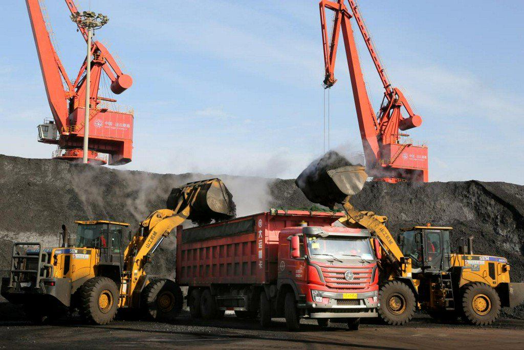 Chinese traders halt Australian coal orders as customs delays pile up - sources https://t.co/7X3yre4I0U