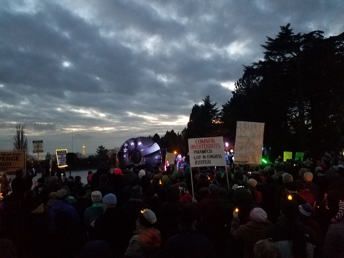 Beautiful rally with several hundred people tonight in #Seattle. America is a democracy not a dictatorship and we will stand United against this #FakeEmergency.