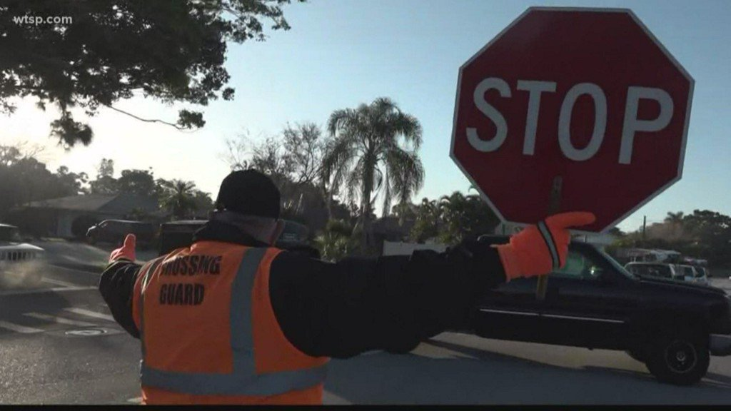 Another nod to our local celebrity at Stewart Elementary School 👏Remember to drive slow through school zones and wave at your crossing guard to say 'thanks' #WeManatee