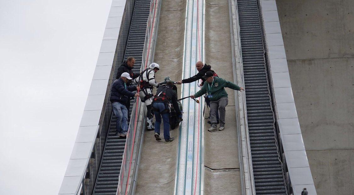 Scooter Hill climb  70%  Olympia Sky Jump Innsbruck BERGISEL  Team SCHACHERMAYR  #diverspassion #günterschachermayr #torprofisteyr #motorradprofi #sife #redbull #macron #discovery #sky #muz® #bbc #cnn #orf #piaggio #tropex #stunt #vespa #liquimoly #rollinmotions #usa #abc #fox