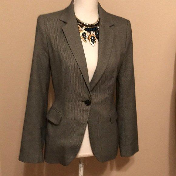 So good I had to share! Check out all the items I'm loving on @Poshmarkapp from @beautifuluplus @Janinea81305812 #poshmark #fashion #style #shopmycloset #zara #express #pinkvictoriassecret: https://posh.mk/1J9lFxu0RT