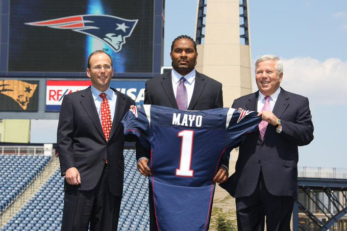 Super Bowl XLIX Champion.  2× Pro Bowler.  2008 NFL Defensive Rookie of the Year.   Drafted by the Patriots tenth overall in the 2008 NFL Draft.  Spent his entire NFL career with the Patriots.  Happy 33rd birthday to Jerod Mayo! <br>http://pic.twitter.com/ZrlM94QAwP