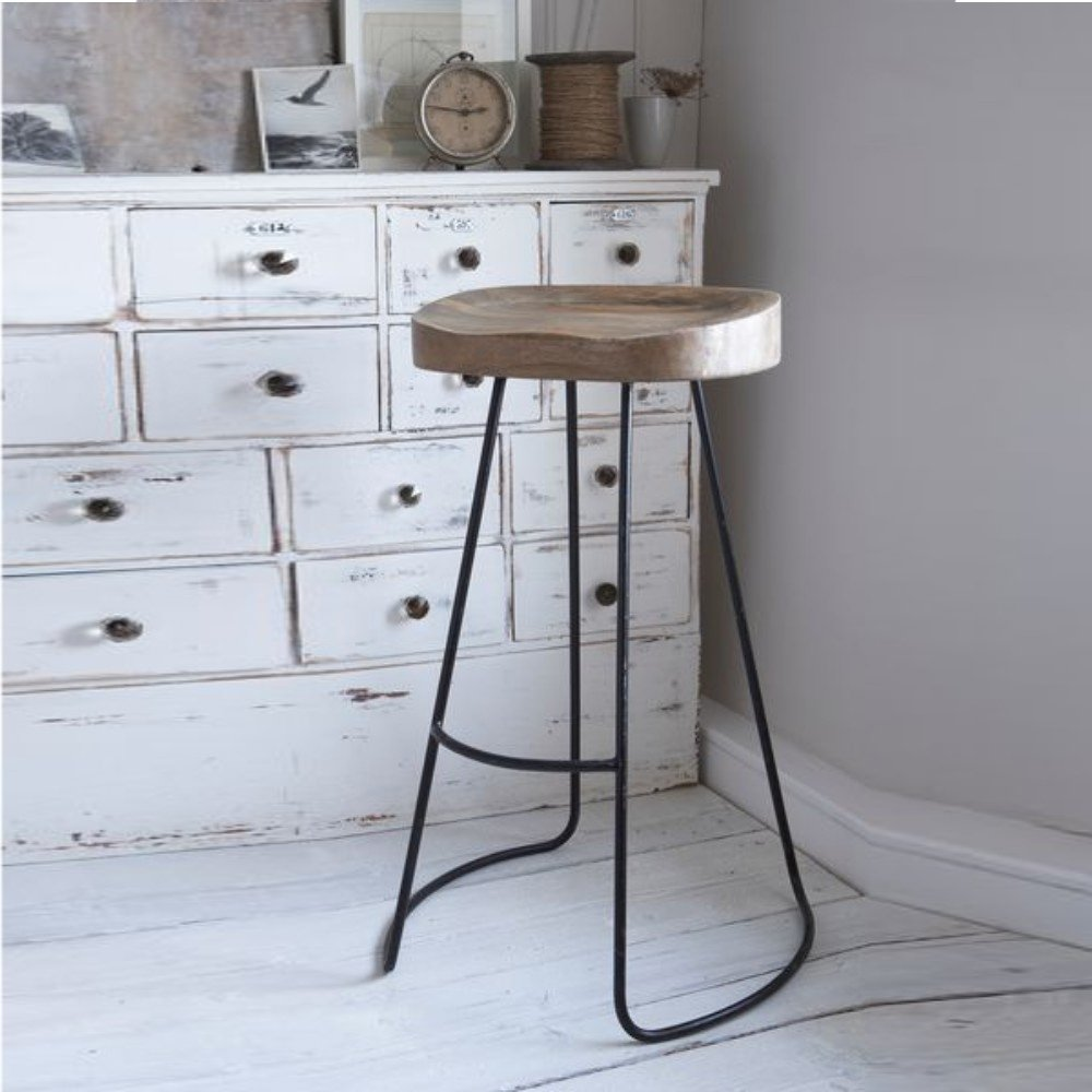Complete the look of your home bar with this appealing barstool accompanied by curvy metal base. #casagear #homeinspo #furniture #decor #interiordeco #luxurydecor #interiordesigninspiration #decors #livingroomideas #homedecor #livingroomdecor Shop Now @ https://buff.ly/2SKHaRB