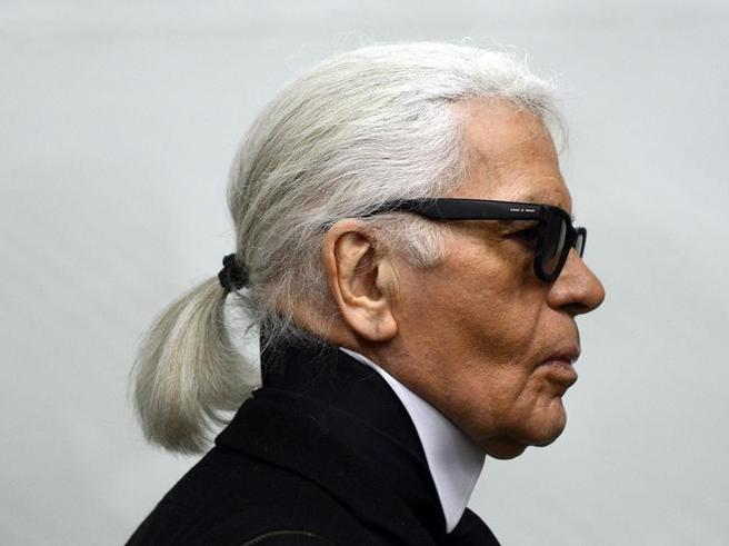 È morto Karl Lagerfeld https://t.co/FDdKQix4iq