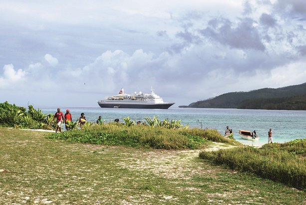 The exotic lands of #BoraBora, #Indonesia & #Singapore are closer than you think as @FredOlsenCruise launches 2021 #WorldCruise from #Southampton AND, for the first time, #Liverpool - with FREE on board spend offer https://bit.ly/2BGC3HU Will you be joining us? #FredOlsenpic.twitter.com/sSDYitwk7H