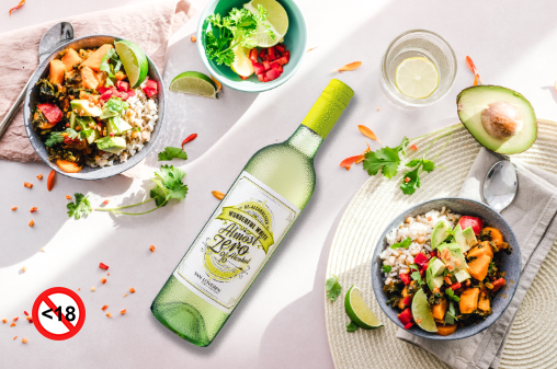 Are you sticking to your new year's resolution to get into shape? Salads & seafood goes perfectly with our Almost Zero Wonderful White! http://bit.ly/2PepWtC #VanLoverenWines #FamilyOwned #ThreeGenerations #lowkilojoule #bantingfriendly #summerlifestyle #nonalcoholic #noandlopic.twitter.com/KmErdnhzQz