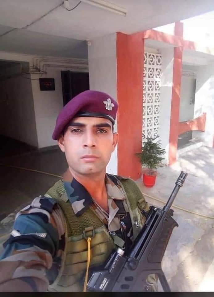 मेरे फरीदाबाद (हरियाणा) के अटाली गांव का जाबांज जवान संदीप पुलवामा मे आतंकियों के हमले में घायल था!!  आज हमारा भाई शहीद हो गया,  जय हिन्द, मेरे शेर,  भारत माता की जय