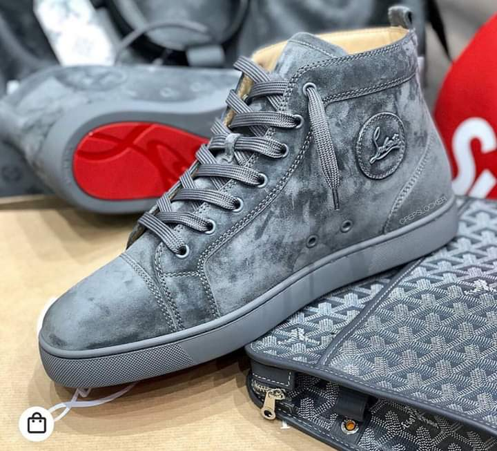Fresh from the container  Shoe vibes Holla to order🙏 No scam zone❌ 100% quality ✔ #hustlersquare  #sneakerslover  #SneakerScouts  #Fashionista  #fashion