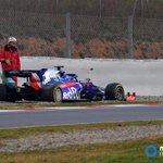 Let's try that again... Testing is back underway now that Albon's Toro Rosso has been recovered. Follow @autosportlive updates here:  https://t.co/5xm3nI7UzI