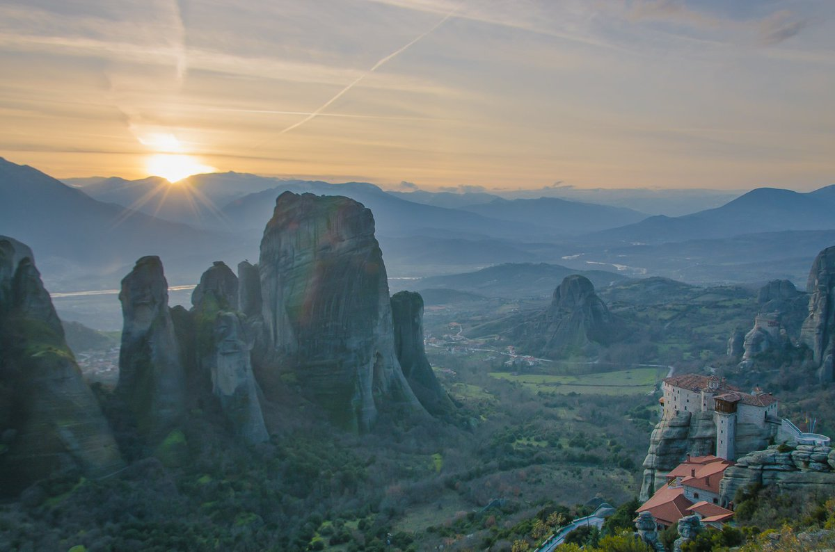 #sunset in the rocks of #Meteora in #Greece #sundown #VisitGreece #Trikala #periplofotografi #travelphotography #discoverGreece #travel #holiday #vacation #traveling #travelling #wanderlust #RTW #backpacking #TTOT #Kalampaka