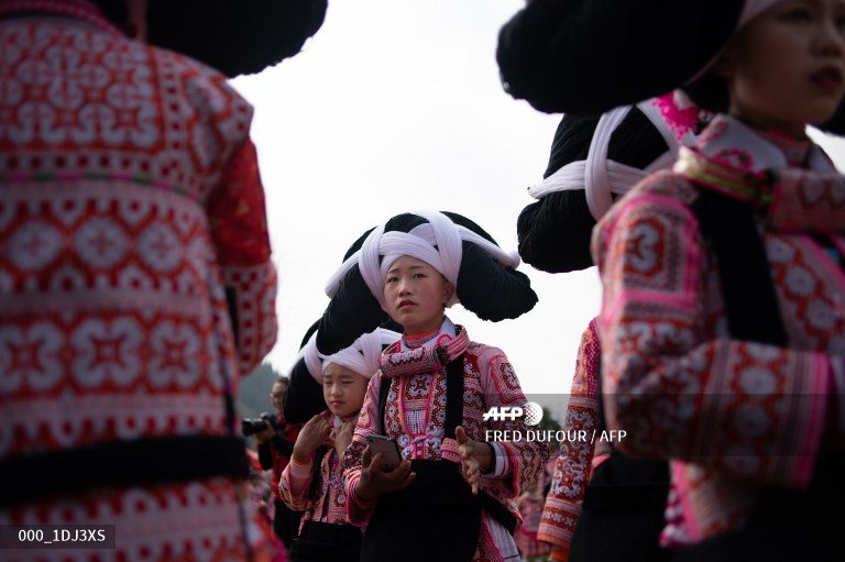 #LunarNewYear Girls sport their ancestors' hair for Lunar New year in China #AFP https://t.co/wkMG0FCXbn 📸 @freddufour_afp   More pictures on AFPForum :   https://t.co/xbXV5zRBM8