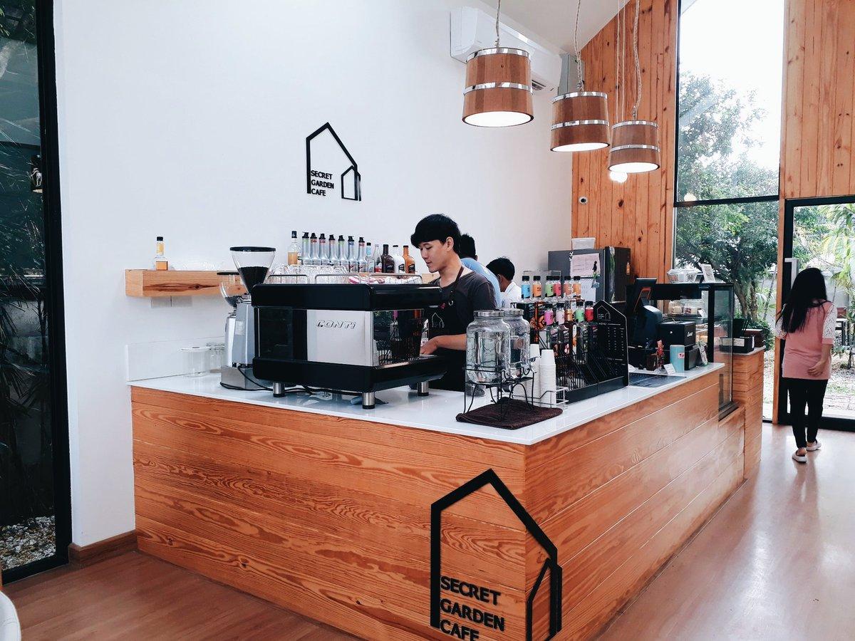 SECRET GARDEN CAFE LAMPANG   #รีวิวลำปาง #Reviewlampang  #ReviewThailand #รีวิวเชียงใหม่ @Review_Thailand<br>http://pic.twitter.com/1LuJJlDFC2