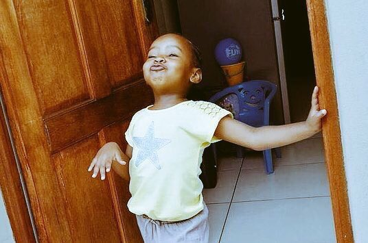 I want to be that kind of girlfriend that will off the TV switch when bae's football team is about to score. Knowing fully well that DSTV will load lati beere🤣🤣🤣😋😋
