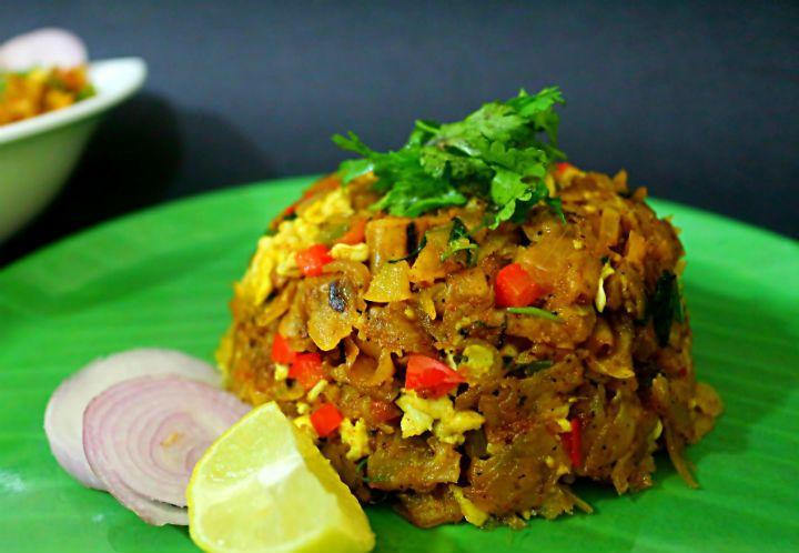 Veg Kothu Parotta - A flavourful and lip-smacking recipe made using fresh veggies and left over parotta.  Recipe link -  https://www.awesomecuisine.com/recipes/25986/veg-kothu-parotta.html…   #february #winter #vegkothuparotta #streetfood #tasty #foodie #foodporn #foodlove #parottarecipes #leftover #dinner #delicious #veg