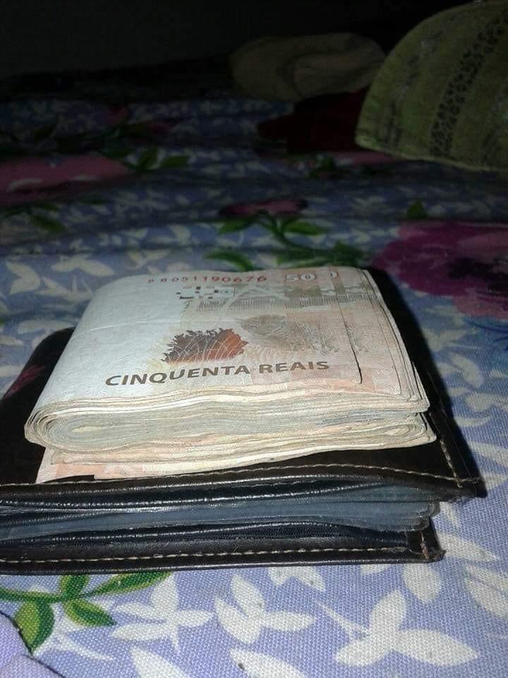 essa é a carteira da sorte quem der #RT aqui, terá dinheiro em dobro