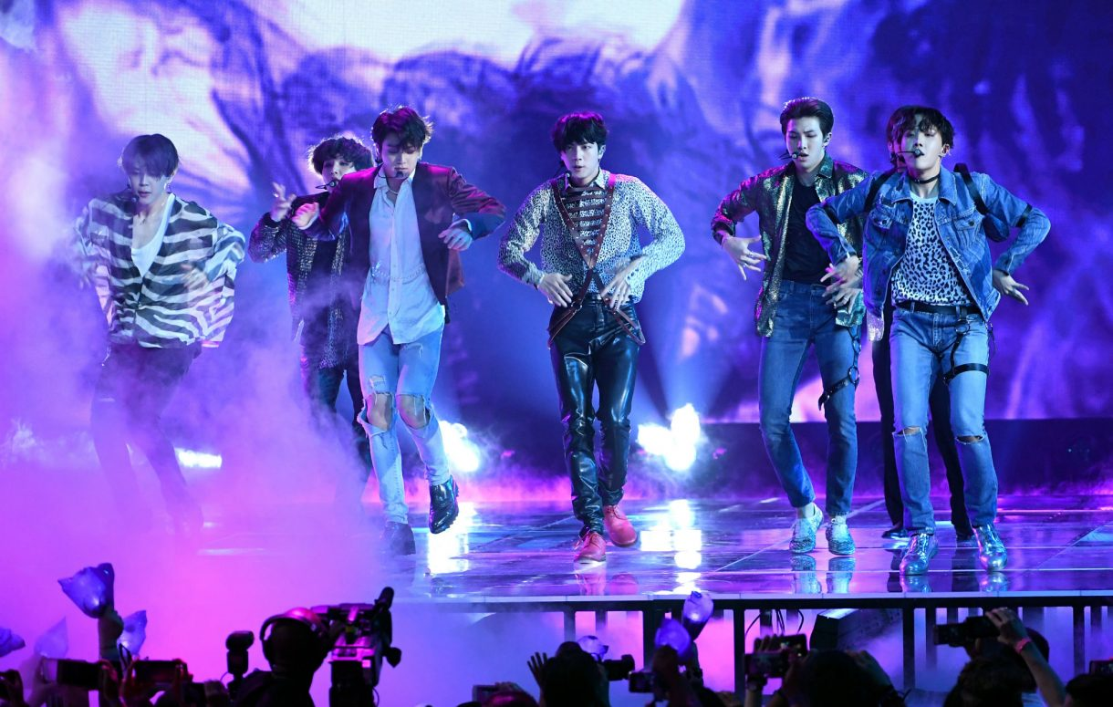 BTS announce return to UK with summer Wembley Stadium show https://t.co/NeWkxhGXny https://t.co/1IT6sywOHw