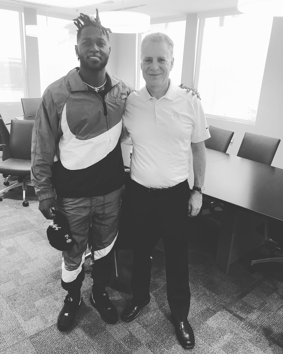 Had a great meeting with Mr.Rooney today we discussed a lot of things and we cleared the air on several issues! We both agreed  that it is time to move on but I'll always have appreciation and gratitude towards the  Rooney family and @steelers organization! #CallGod #Boomin