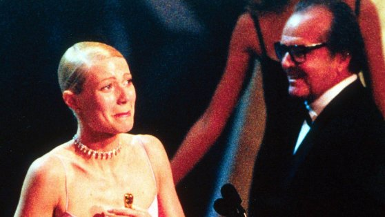 Jack Nicholson presented Gwyneth Paltrow with her Oscar, but the two had crossed paths before: 'There's a funny story where he'd been trying to ask me out before, and I was like, 'I have a boyfriend!''  https://t.co/96kapTFJKX