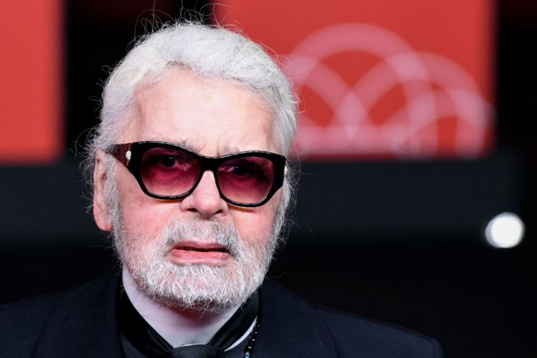 Fashion legend Karl Lagerfeld dead at 85: Reports http://str.sg/oEEk