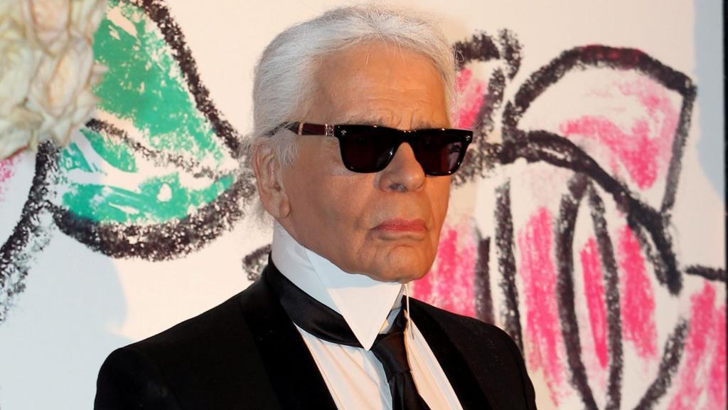 È morto Karl Lagerfeld, leggendario stilista di Chanel e Fendi https://t.co/neh6O1boug