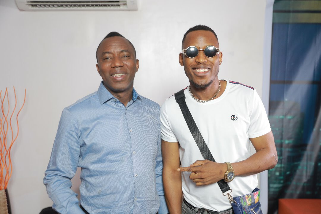 #WasteYourVoteWisely on @Yelesowore Thank you @mr_2kay for that creative endorsement. #TakeItBack #Sowore2019<br>http://pic.twitter.com/HOSMmH011Y