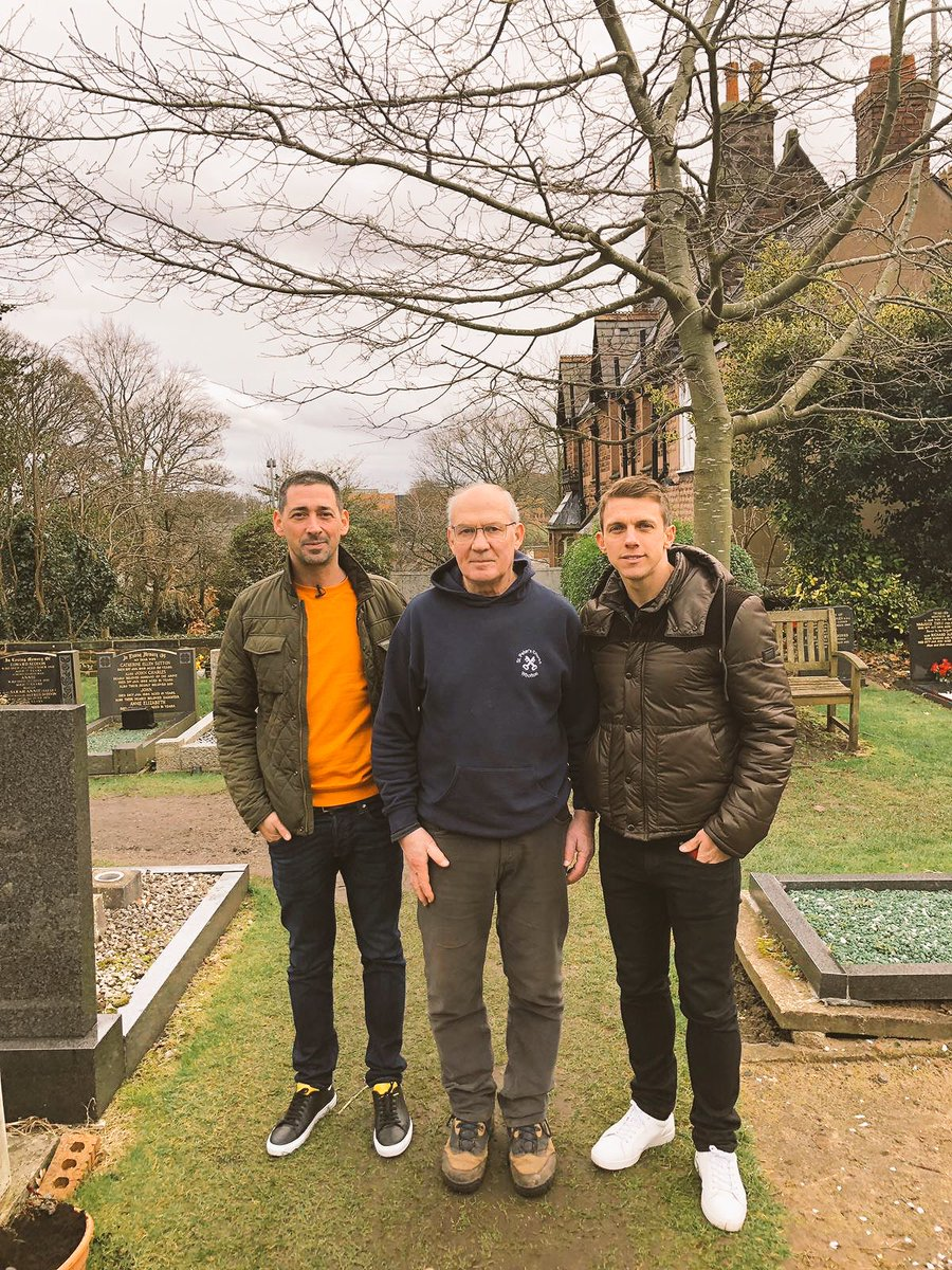 Most random, brilliant thing just happened. @StephenWarnock3 and myself were filming a link by Bob Paisley's grave. A man who works there came over. Thought he was going to tell us off, but instead he introduced himself as Bob's son, Graham, and we had a lovely chat ❤️   @DAZN_CA