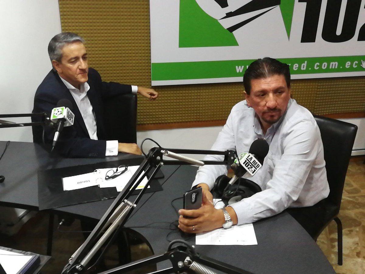 """""""Mi preparación está encaminada al Giro de Italia"""" explica @RichardCarapazM en entrevista con @Alfonso_Laso y @PatricioJDiaz en @LaRedEcuador   #VamosRichie #VamosMijín @Movistar_Team"""