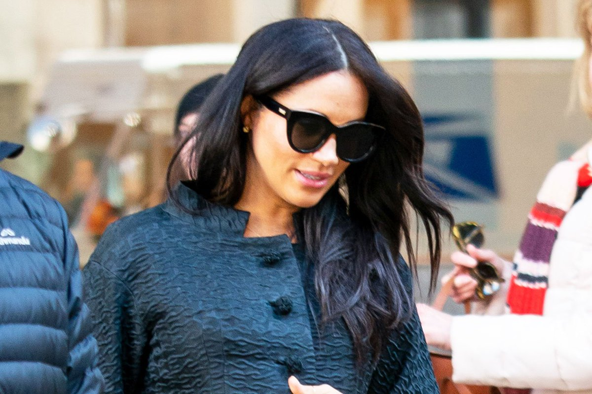 Meghan Markle goes casual for her NYC baby shower: https://t.co/cOiRYWAtJh