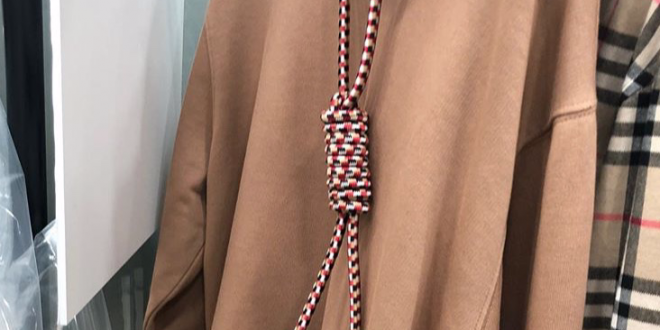 Burberry Issues Apology After Featuring Hoodie With Noose Around Neck http://dlvr.it/QzFd0j
