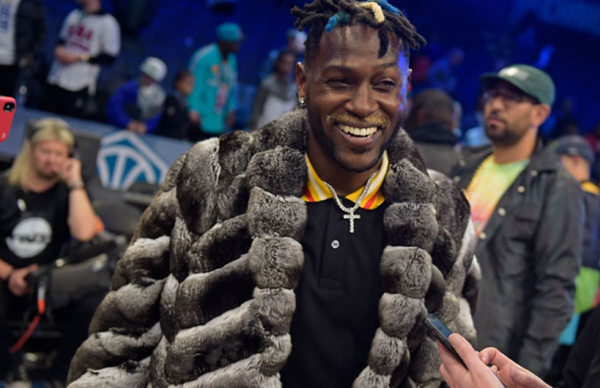 Antonio Brown said he's fine going to any team that'll offer him guaranteed money. 💰  More: https://trib.al/qbfL5w5