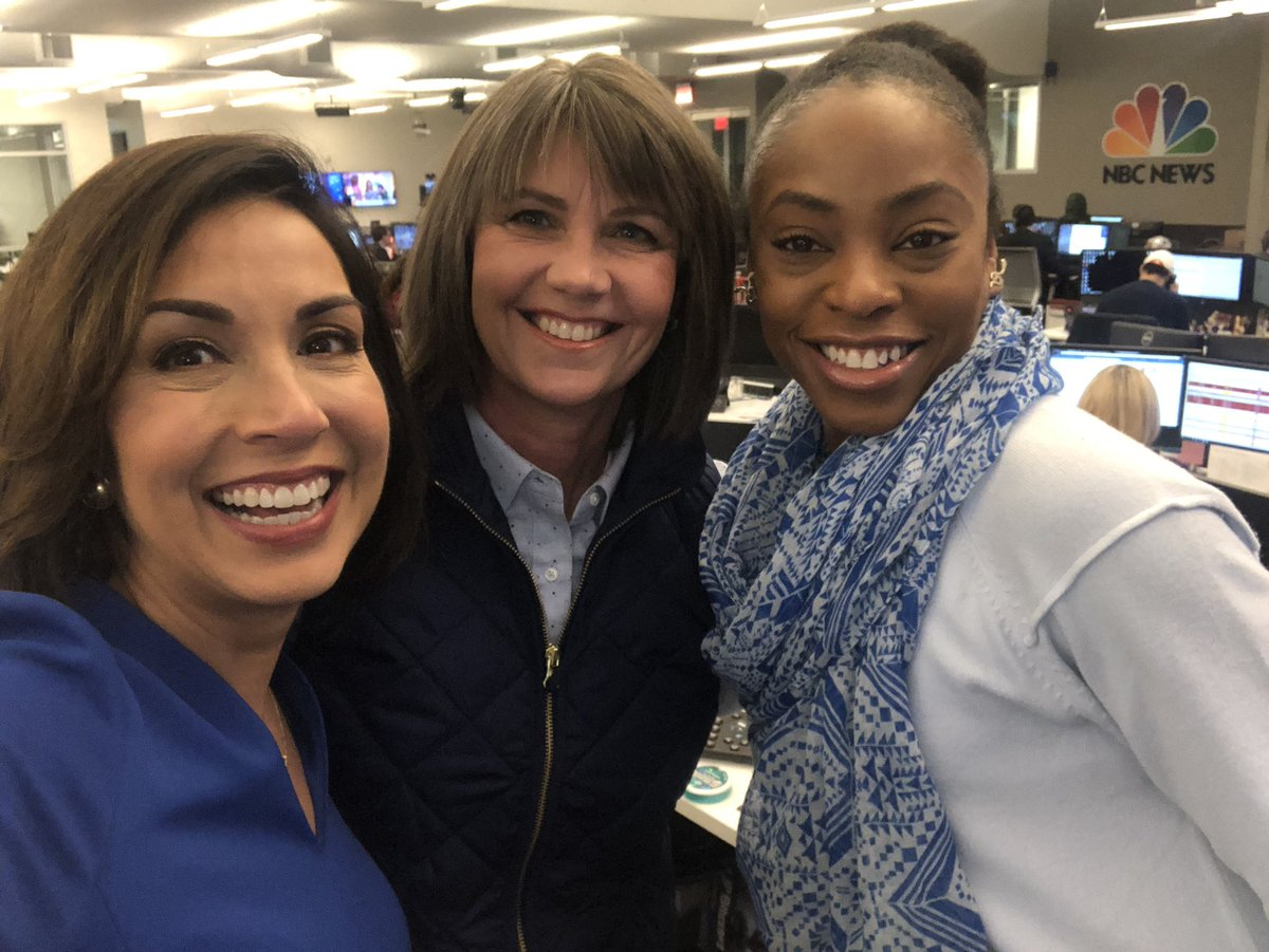 Couldn't pass up taking a picture with these gals! That's @AmesChopper5 our photojournalist aboard Texas Skyranger & @StephSmith3 on the @NBCDFW @Telemundo39 Assignment Desk. They're the wind beneath my wings!