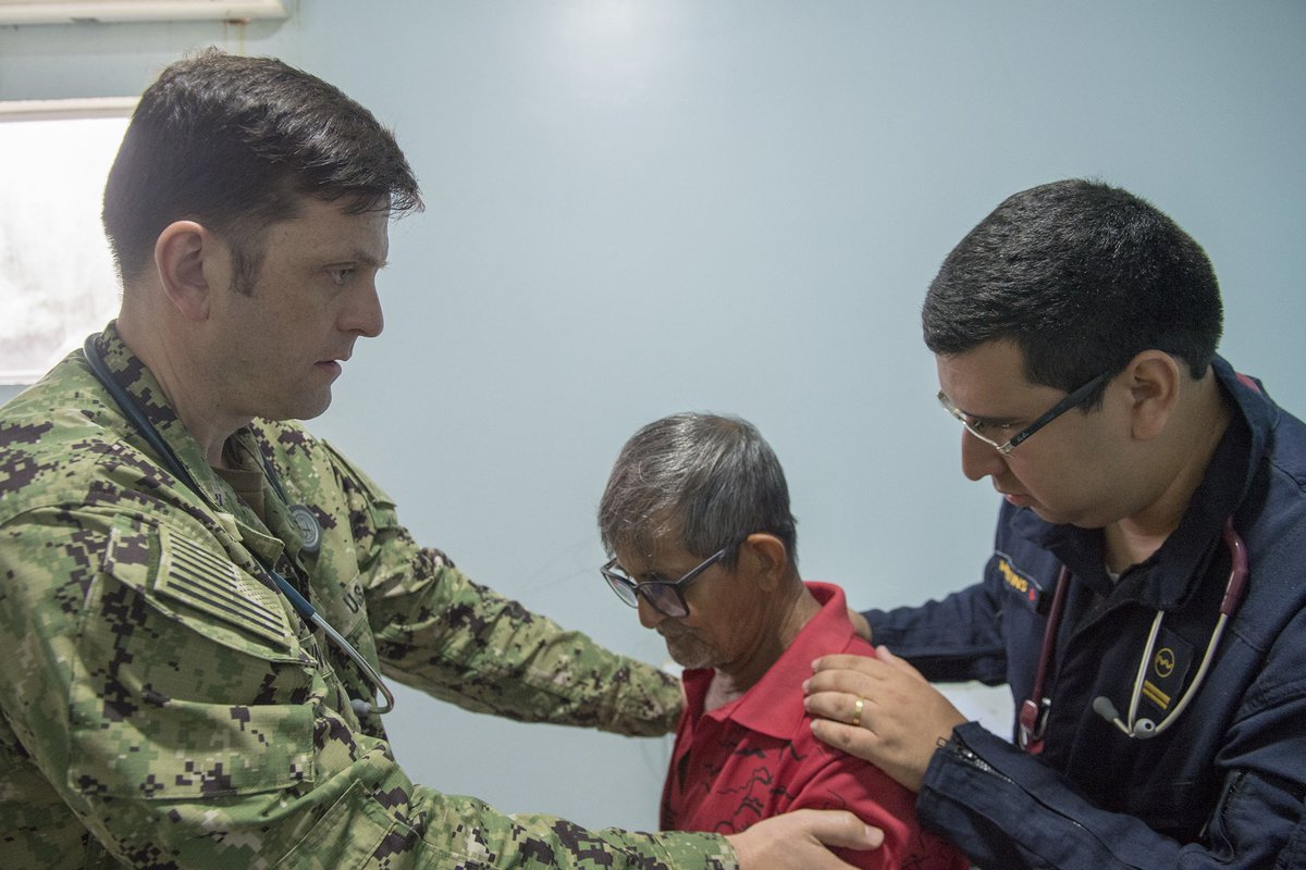 Providing Care in Brazil: @USNavy & @marmilbr medical providers aboard the Brazilian hospital ship NAsH Carlos Chagas (U-19) delivering medical care in Calama, Brazil, last week. Four Navy docs are taking part in the mission along the Amazon River. #EnduringPromise  @NavyMedicine