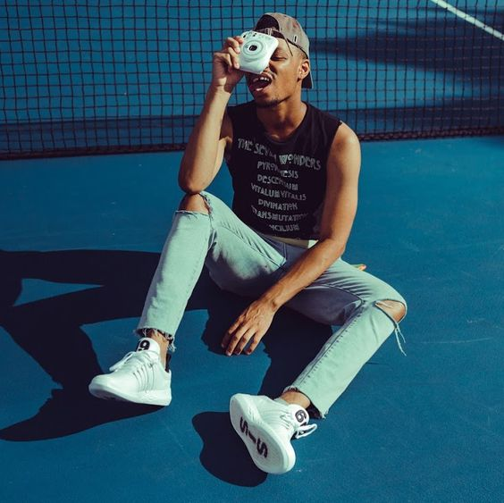 Good vibes only | #TFCMember @ItsMorphinTime_  for #kswiss View more: http://ow.ly/pGDJ30nKRyC   📷: @fredis_b   #thefashioncollectiveinc #TFCinc #style #stylist #editorialshoot #streetstyle