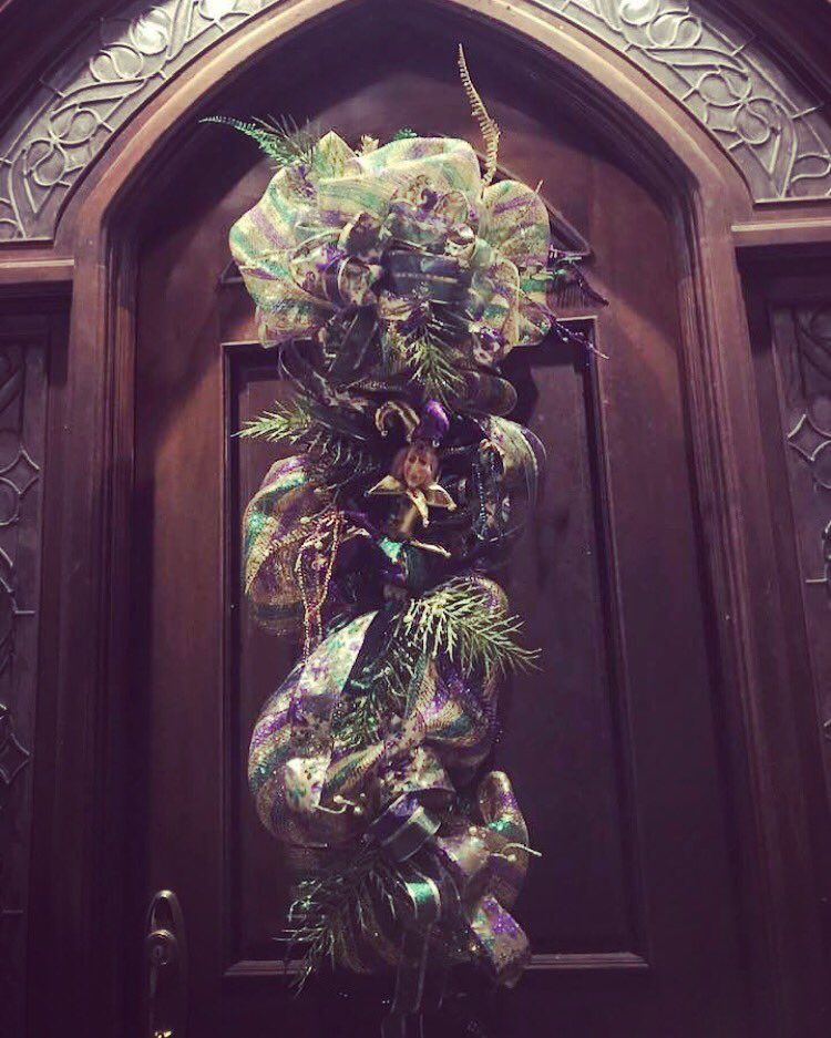 It makes me so happy when my clients love what I create for them!  #mardigras #carnival #kentwoodlouisiana #followyournola #neworleans @britneyspears @lynnespears_rbpic.twitter.com/DgHHf0mgCG