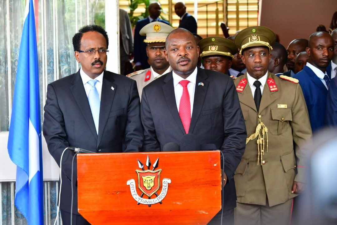 Presidents of Somalia and Burundi agreed to to carry out operations against Al-Shabaab as soon as possible - statement. Mohamed Abdullahi Farmajo and his host Pierre Nkurunziza called for an urgent summit of heads of state and Govt of the AMISOM troop contributing countries. <br>http://pic.twitter.com/xSteT4Zu76