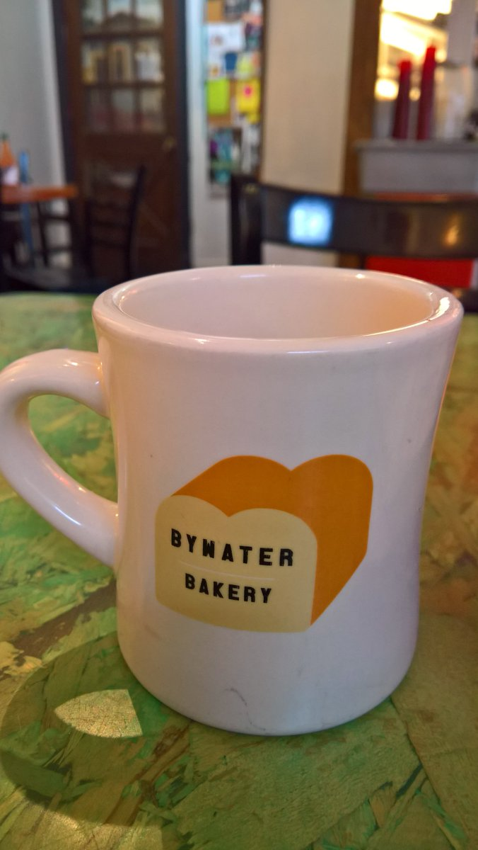 #NOLA peeps, my friends at #BywaterBakery had a break-in at their house last week! Thieves took COMPUTERS! Both laptops+ext drives+biz info. It's the data that matters; ideas how to get it back, ANYONE? Where would thieves sell computers? Ideas welcome!