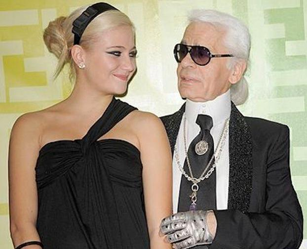 So sad to hear this news @KarlLagerfeld 🖤 I've always looked up to you and how you make people everywhere feel so special in what you've created. Thank you for supporting me at the start of my career - it is something I'll never forget xxx