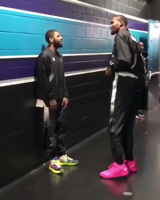 """Kyrie and KD were filmed in the hallway before the All-Star Game, some claim Kyrie says """"two max slots"""" in the video. It was one of many bromance moments between the two last weekend.   More: https://trib.al/2QsfUir"""