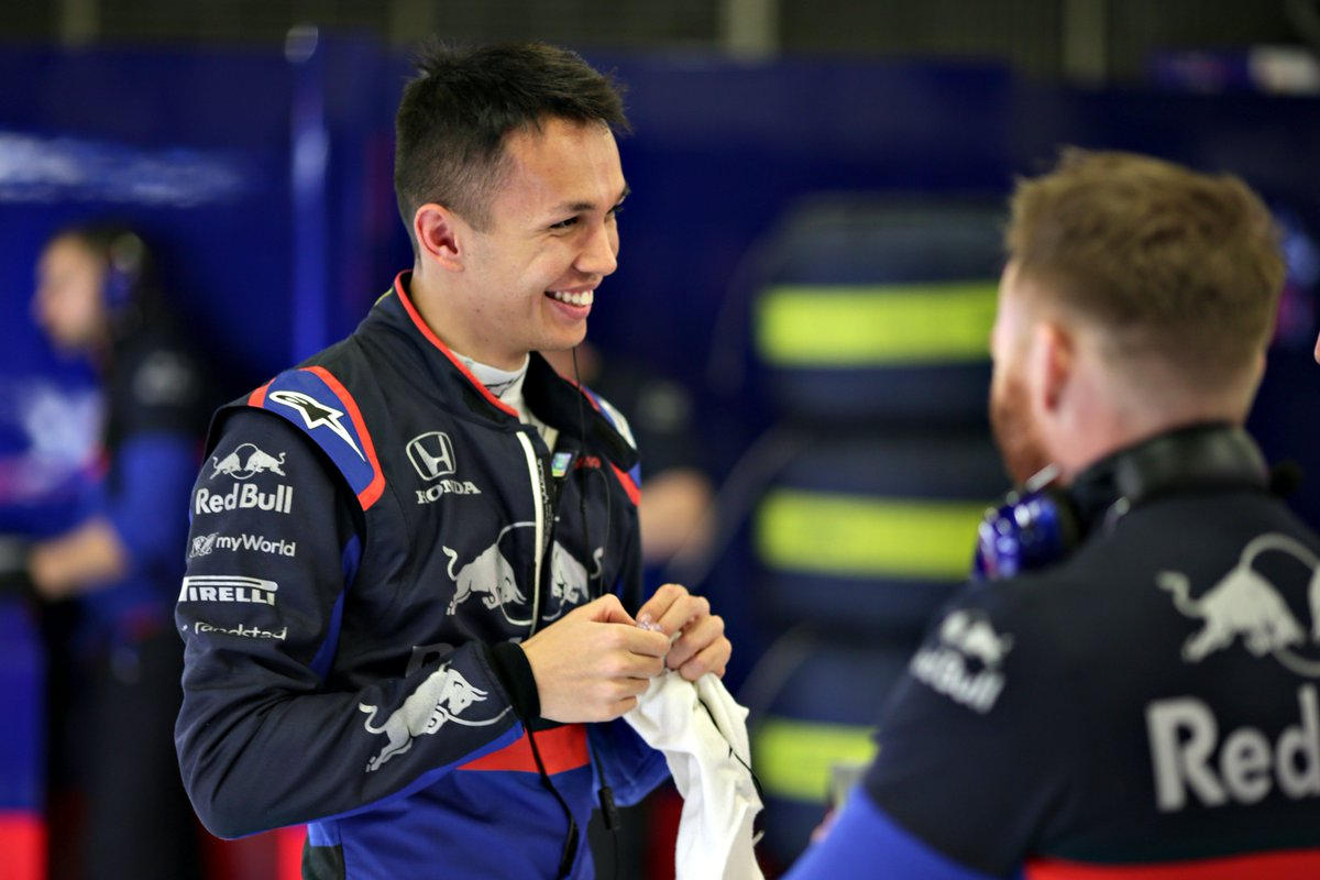 A very productive day for us in Barcelona. @alex_albon clocks up 132 laps with a best time of 1:19.301 to finish P4 Read Alexs and the teams reaction here 👉 bit.ly/2EiYnZN