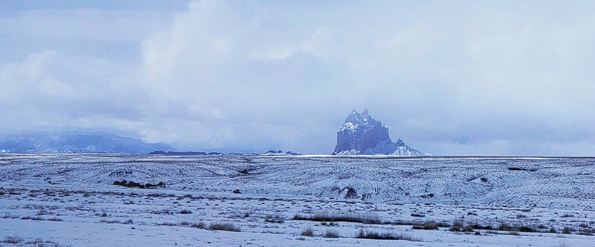 Snowy Shiprock is simply stunning, even with some peaks of ☀️  📸: Nessa Palmer @KOB4 #nmwx #NavajoNation