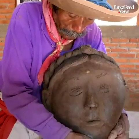 This renowned sculptor has been making art for almost two decades after becoming blind 👨‍🎨