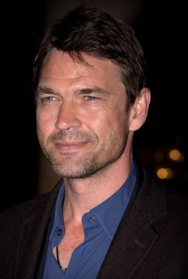 Dougray Scott will play Ruby Rose's father in The CW's #Batwoman, which will also see Marcos Siega take over directing duties from David Nutter (who exited for personal reasons)  https://t.co/DOoA7TdrSu