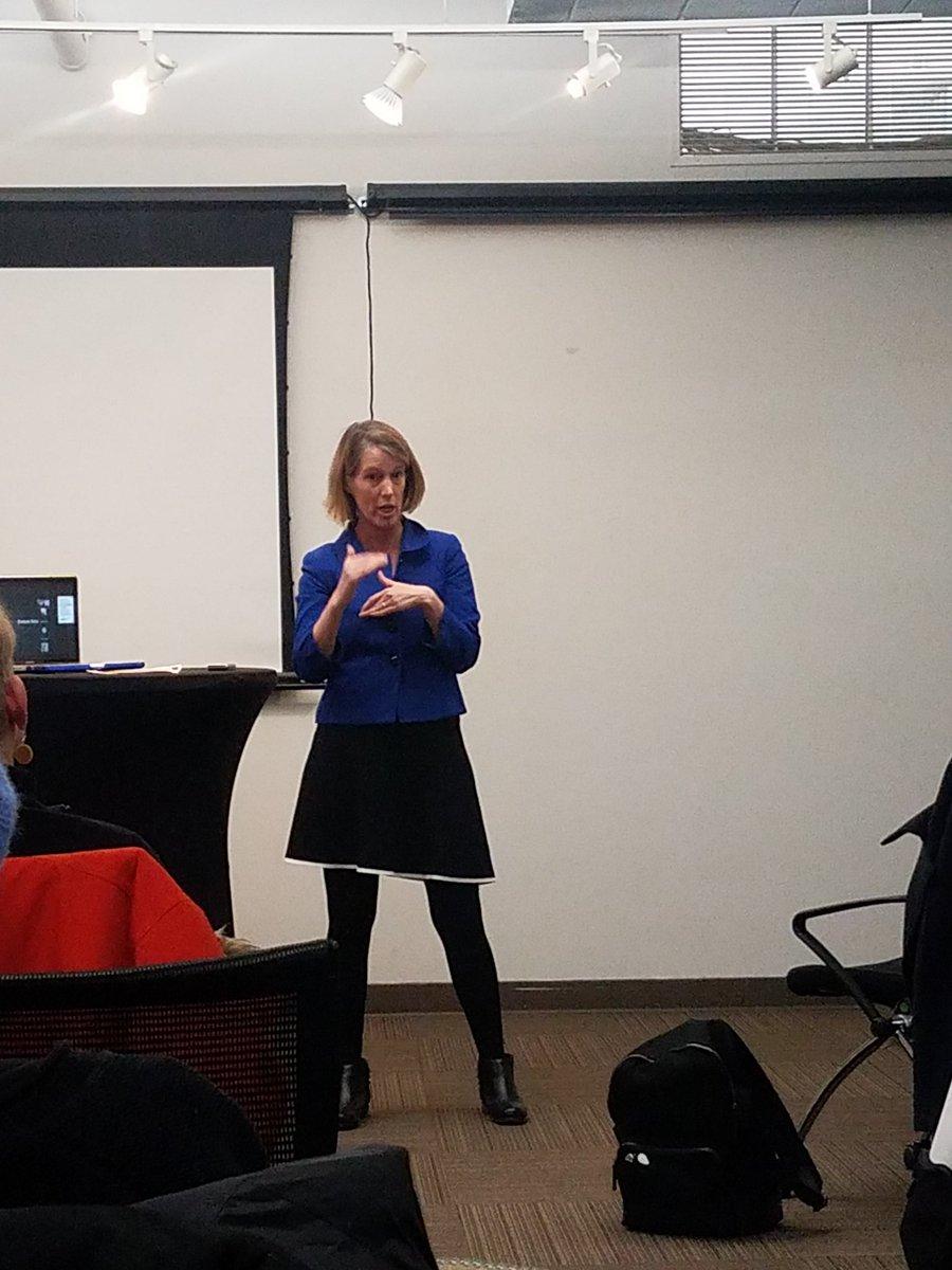 Oh hai, it&#39;s @ZephyrTeachout speaking at tonight&#39;s @makeNYTrueBlue coalition meeting <br>http://pic.twitter.com/sbgt5QjSIW