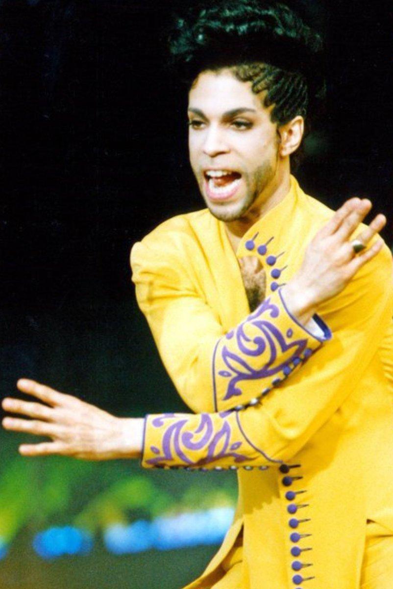 PRINCE  #Prince4Ever  #NewPowerGeneration #NPG<br>http://pic.twitter.com/kjy2HIDZIN