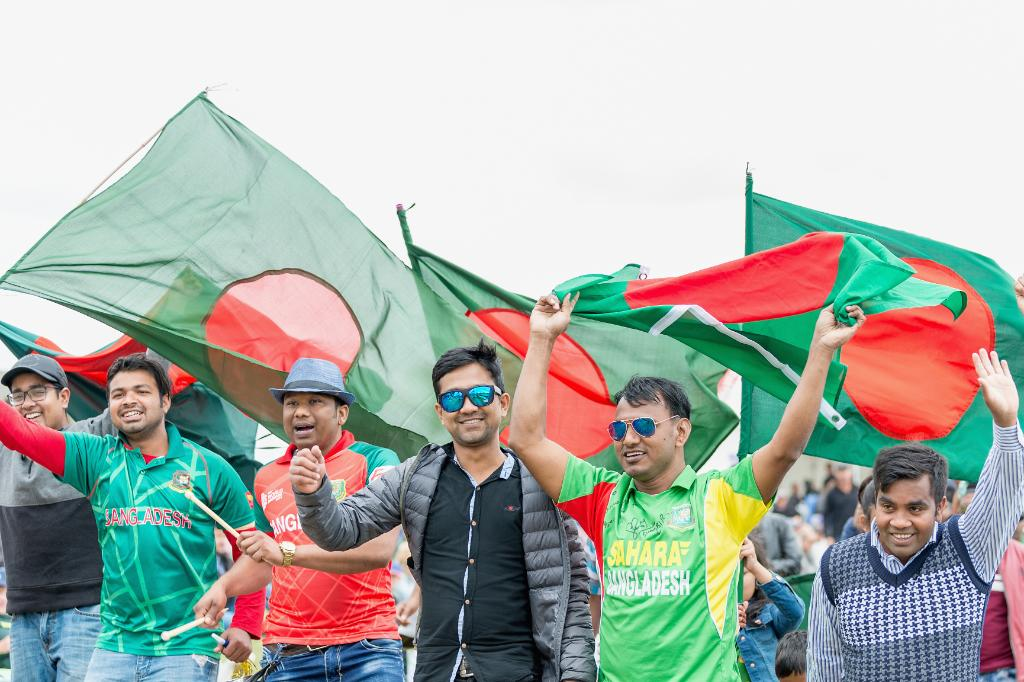 Bangladesh have won the toss and will bowl first in the third and final ODI against the @BLACKCAPS.  Can the @BCBtigers claim a consolation win, or will the hosts seal a 3-0 sweep?  #NZvBAN LIVE 👇 http://bit.ly/NZvBan3