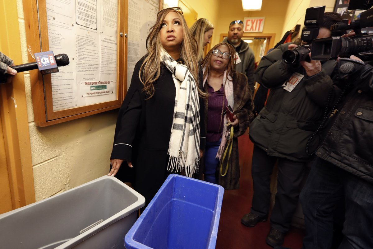 HUD official gets stuck in elevator amid temporary NYC public housing stay https://t.co/w8NnaxSgpm