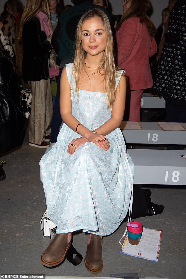 Леди Амелия Виндзор на показах в рамках Лондонской недели моды