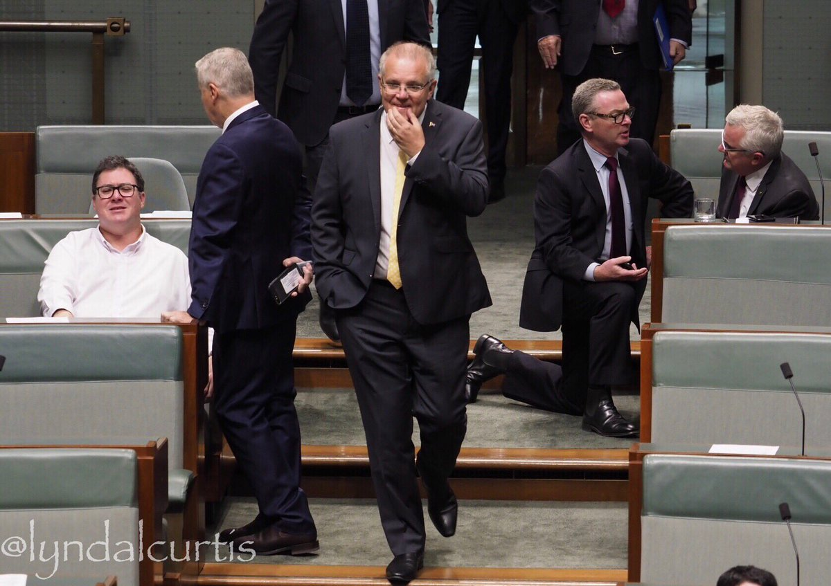 Walk and talk. The PM @ScottMorrisonMP walks into the #Reps chamber for a vote. @mpbowers @AmyRemeikis