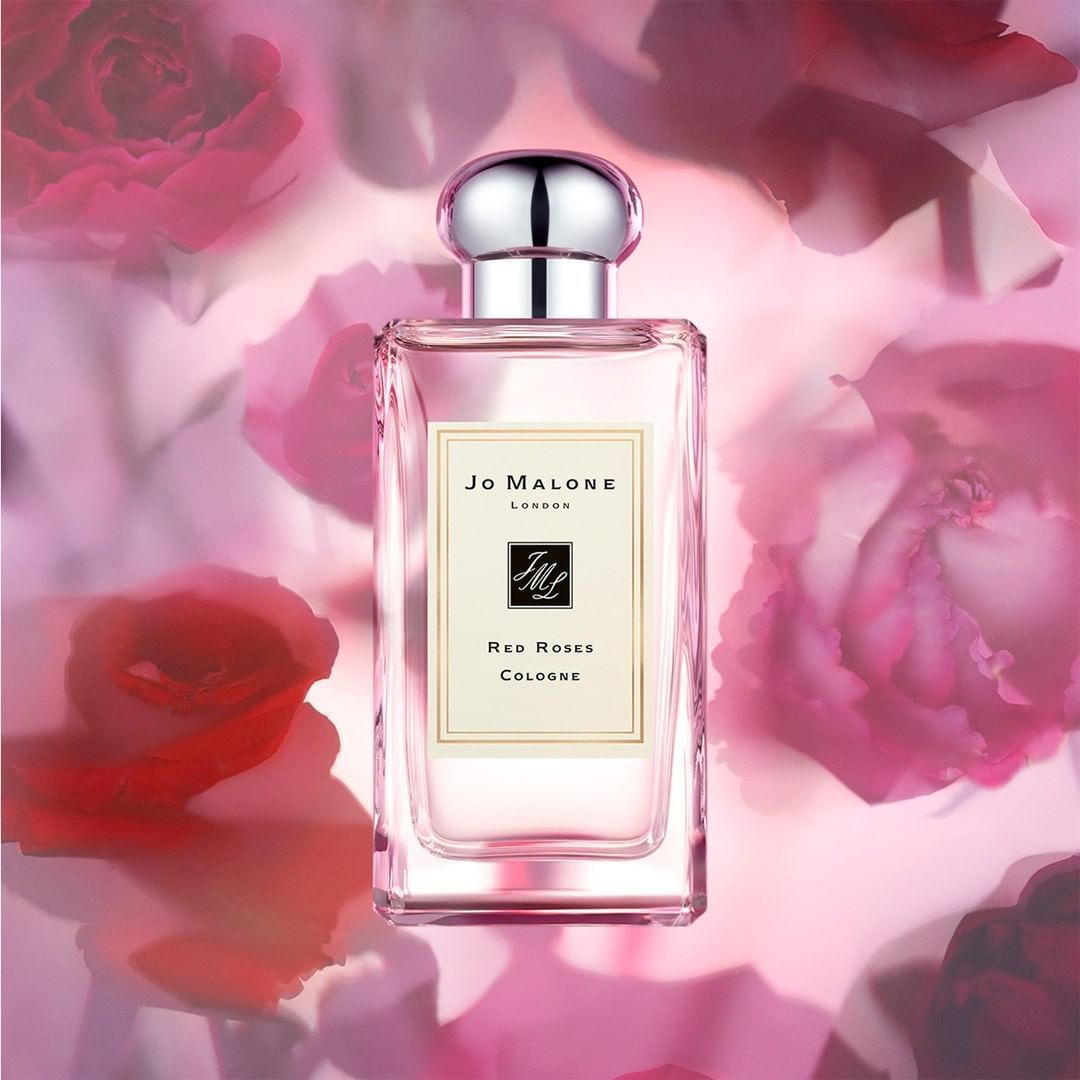 Inspired by a voluptuous blend of seven of the world's most exquisite roses, Jo Malone London's Red Roses Cologne delivers the essence of modern romance. ❤️   Shop it here on Beautylish: https://t.co/EbmYRMcrPh 🌹 🌹 🌹