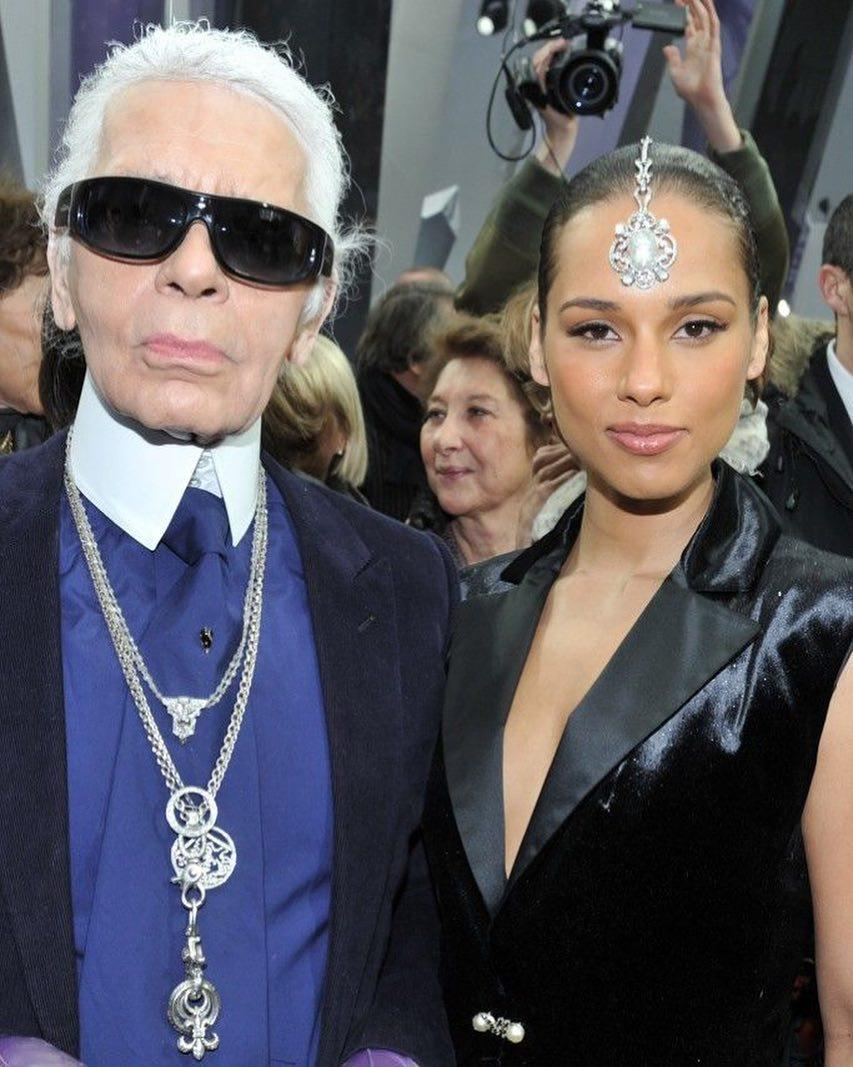 I'll never forget this day in Paris! Rest in power to a truly unique individual #karllagerfeld<br>http://pic.twitter.com/xxWlqYshiW